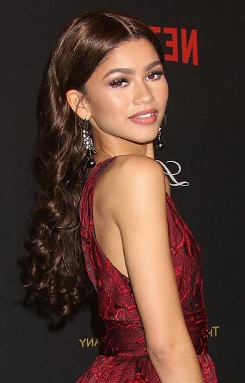 Hairstyles: Zendaya – Long Curled Hairstyle In Zendaya Long Hairstyles (View 2 of 25)