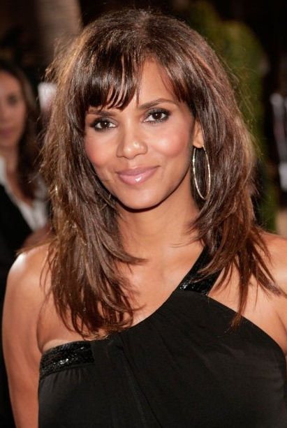 Halle Berry Layered Long Hairstyle With Bangs – Hairstyles Weekly Regarding Long Hairstyles With Bangs And Layers (View 15 of 25)