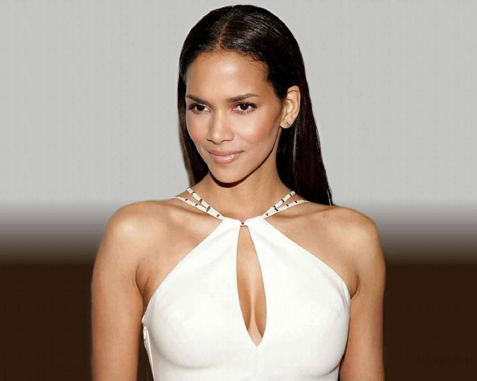 Halle Berry Long Hairstyles — Wedding Academy Creative : The Cool Inside Halle Berry Long Hairstyles (View 25 of 25)