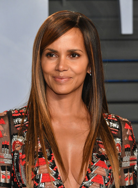 Halle Berry Long Straight Cut – Halle Berry Long Hairstyles Looks Within Halle Berry Long Hairstyles (View 12 of 25)