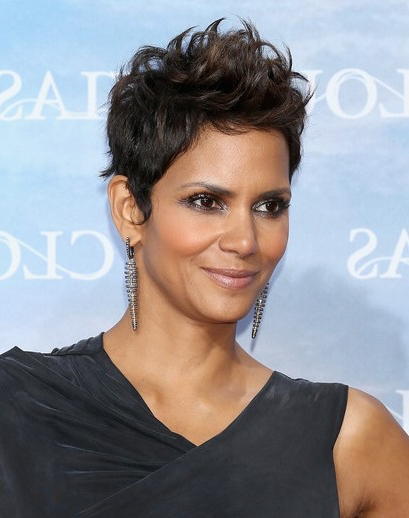 Halle Berry Very Short Haircuts – Popular Haircuts Intended For Halle Berry Long Hairstyles (View 22 of 25)