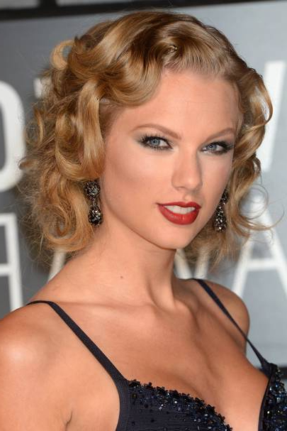 Hollywood Retro Hairstyles: Vintage Celebrity Hair Inspiration Intended For Old Hollywood Long Hairstyles (View 22 of 25)