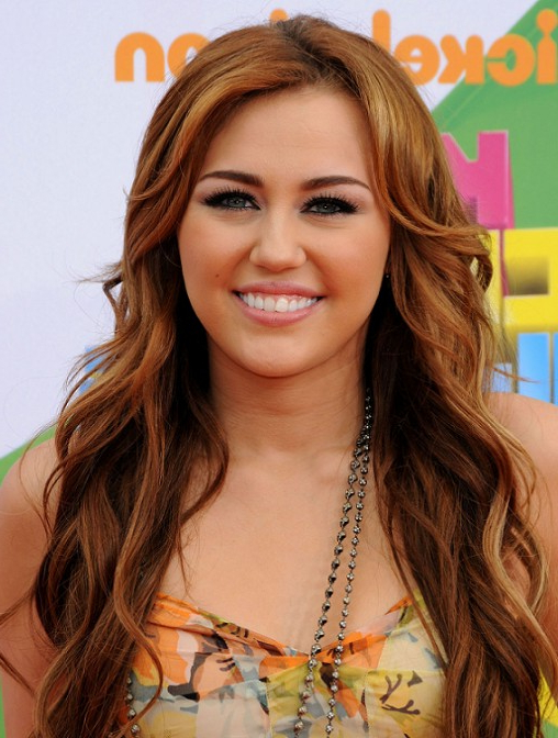 How To Do Miley Cyrus Hairstyles: Long Wavy Hair Styles – Hairstyles Intended For Miley Cyrus Long Hairstyles (View 7 of 25)