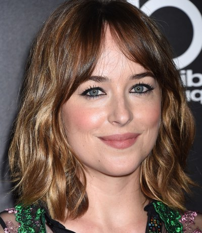 How To Grow Out Your Bangs – 10 Hairstyles To Try | Teen Vogue Throughout Long Hairstyles Growing Out Bangs (View 11 of 25)