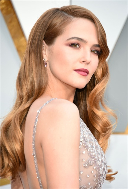 How To: Zoey Deutch's Oscars Red Carpet Look – Inspiration – Modern For Long Hairstyles Red Carpet (View 14 of 25)