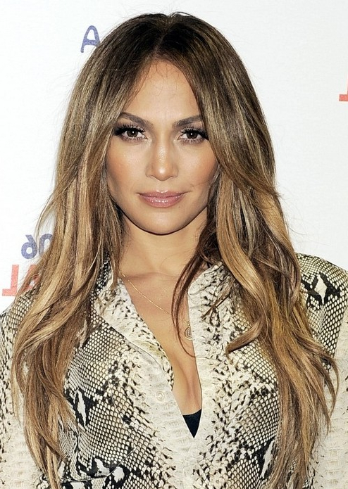 Jennifer Lopez Long Hairstyles: Center Part Hairstyle - Popular Haircuts with Center Part Long Hairstyles