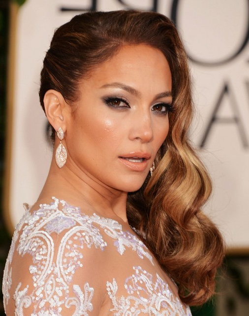 Jennifer Lopez Long Hairstyles: Side Waves Hair - Popular Haircuts in Side Long Hairstyles
