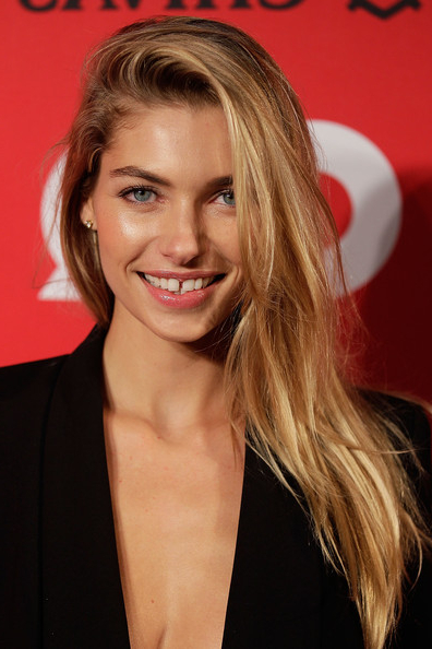 Jessica Hart Long Side Part – Jessica Hart Long Hairstyles Looks Inside Long Hairstyles With Side Part (View 7 of 25)