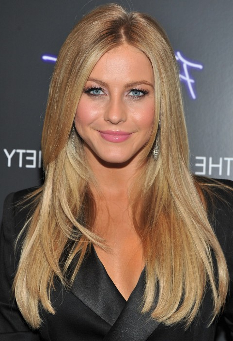 Julianne Hough Hairstyle: Layered Long Straight Hairstyle in Julianne Hough Long Hairstyles