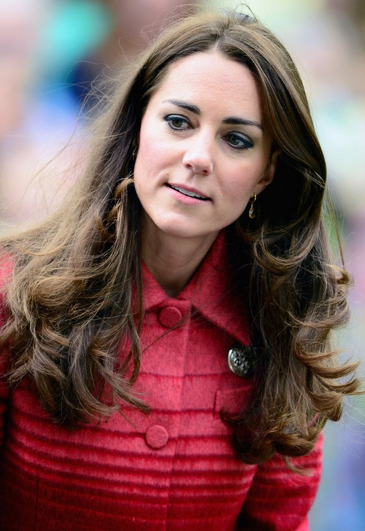 Kate Middleton Long Wavy Hairstyle For Thick Hair | Styles Weekly Throughout Long Hairstyles Kate Middleton (View 16 of 25)