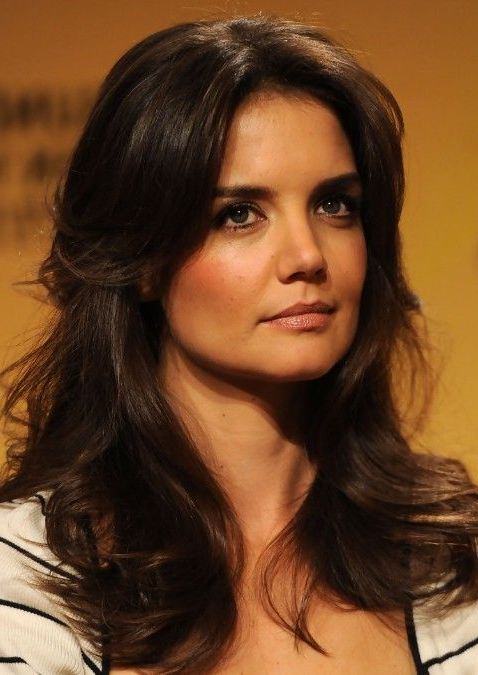 Katie Holmes Layered Long Wavy Hairstyle: Hot Moms Haircut | Hair With Katie Holmes Long Hairstyles (View 5 of 25)