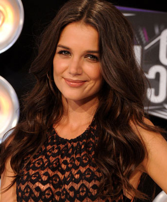 Katie Holmes' Long Wavy Hairstyle Pertaining To Katie Holmes Long Hairstyles (View 20 of 25)