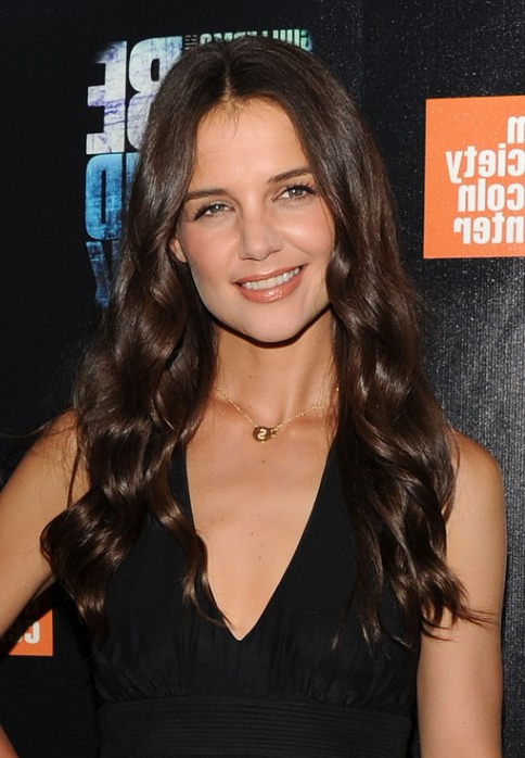 Katie Holmes Loose Curly Hairstyle For Long Hair – Hairstyles Weekly Intended For Katie Holmes Long Hairstyles (View 14 of 25)