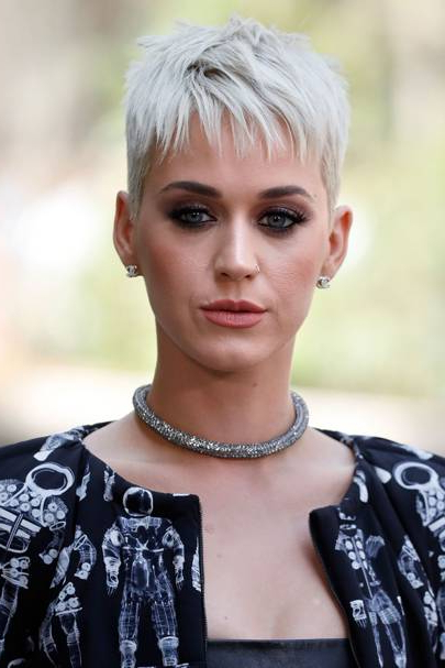 Katy Perry Hair – Her Best Hairstyles, Makeup And Beauty Looks With Regard To Katy Perry Long Hairstyles (View 7 of 25)