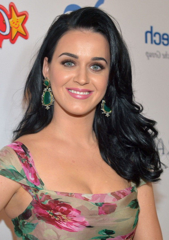 Katy Perry Long Black Wavy Hairstyle For Oval Faces – Hairstyles Weekly For Katy Perry Long Hairstyles (View 8 of 25)