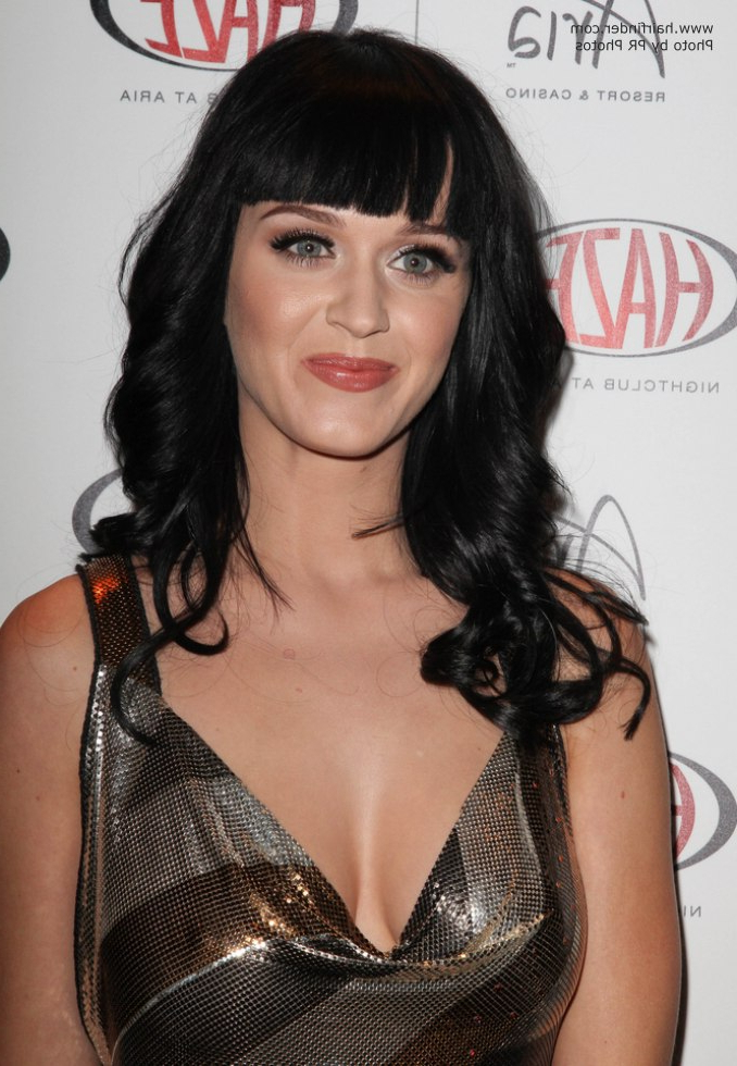 Katy Perry Wearing Her Long Hair With The Sides Curled Away From Her With Regard To Katy Perry Long Hairstyles (View 21 of 25)