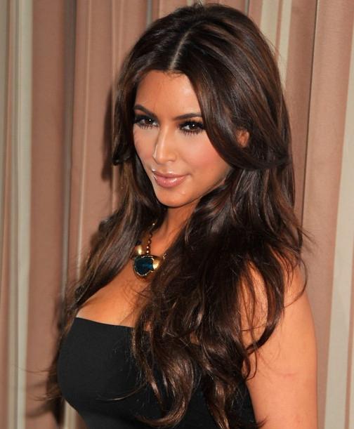 Kim Kardashian Hairstyles – Center Parted Hairstyles For Long Wavy For Long Layered Hairstyles Kim Kardashian (View 11 of 25)