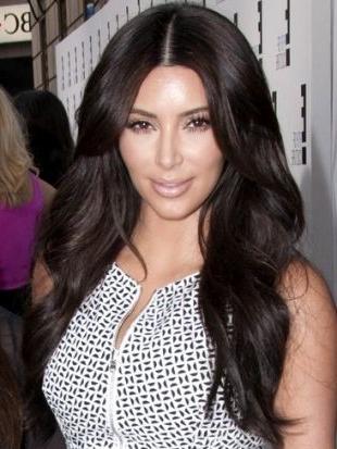 Kim Kardashian Thick Layered Hairstyle – Long Thick Haircuts With For Long Layered Hairstyles Kim Kardashian (View 5 of 25)