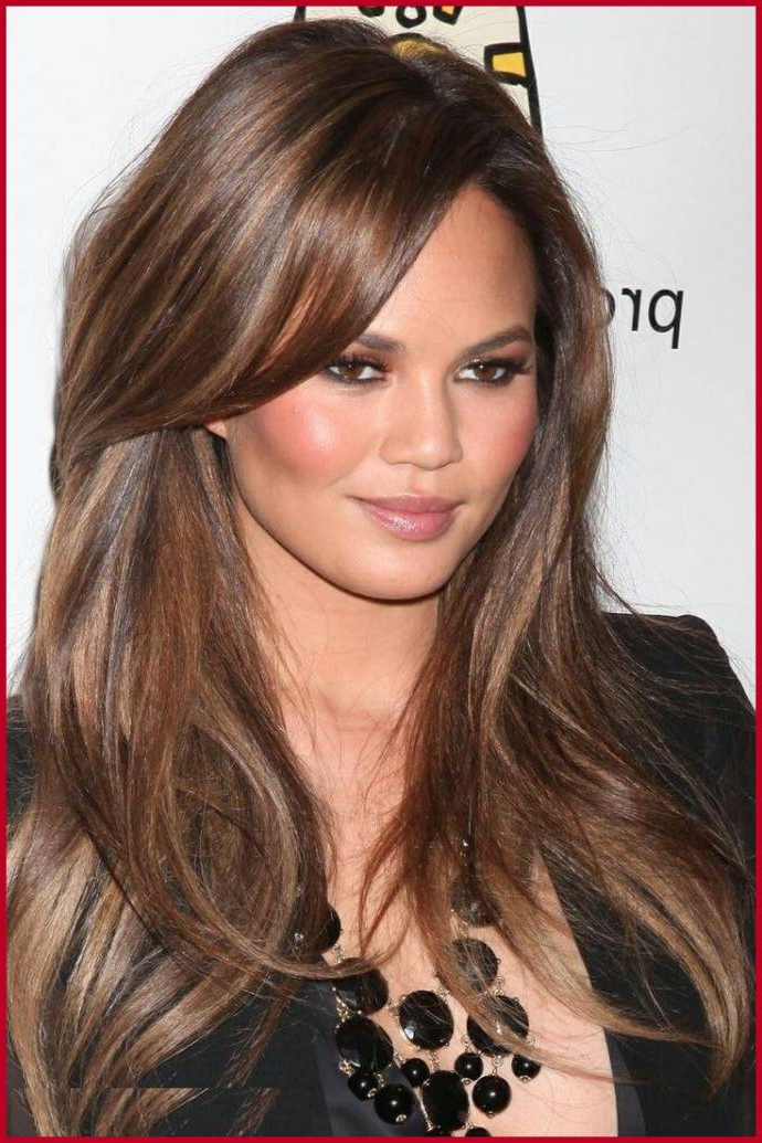 Layered Hairstyles For Long Hair Round Face In Long Hairstyles With Side Bangs For Round Faces (View 6 of 25)