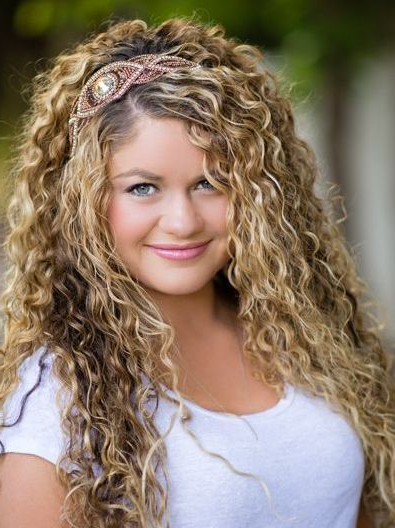 Long Blonde Hairstyles For Naturally Curly Hair Round Face Women Regarding Curly Long Hairstyles For Round Faces (View 11 of 25)