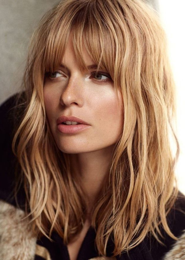Long Bob Hairstyles For Women With Oval Face For Coarse Wavy For Long Haircuts With Bangs For Oval Faces (View 8 of 25)