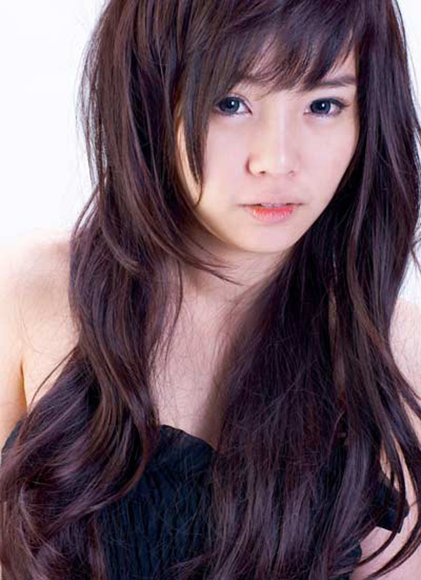 Long Layered Haircuts With Bangs 2015 Within Long Haircuts With Bangs (View 23 of 25)