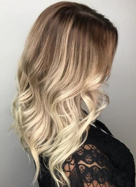 Long Layers With A Loose Wave Hairstyle 2018   Latest Fashion Trends Inside Long Layered Waves Hairstyles (View 5 of 25)