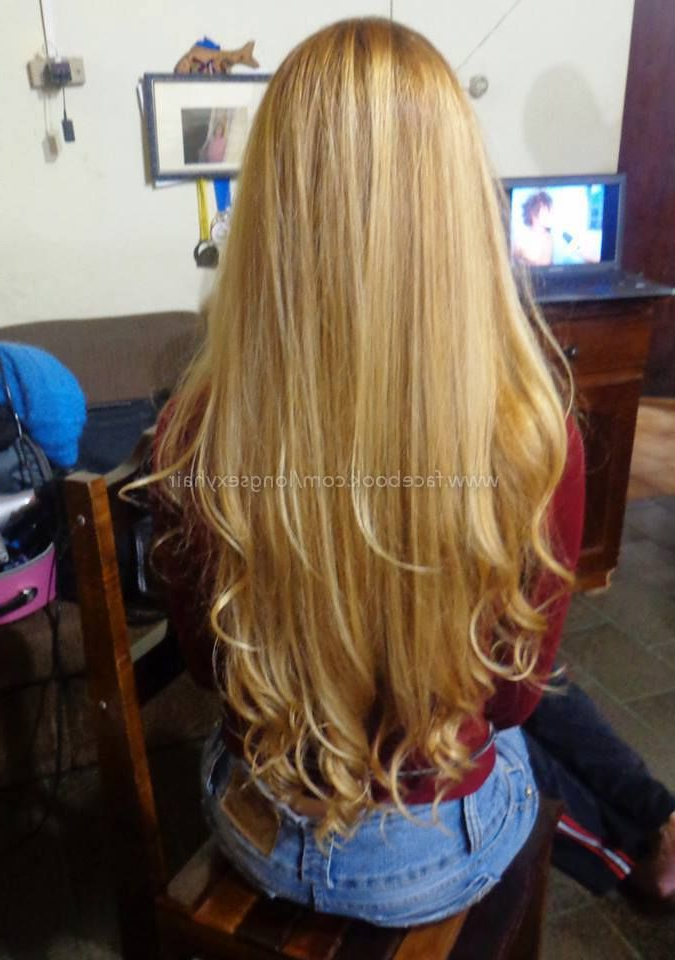 Long Straight Hair With Curled Ends (View 14 of 25)