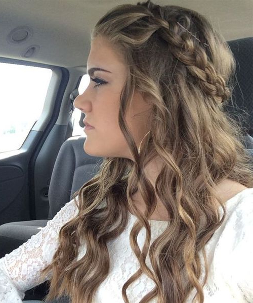 Long Wavy Prom Hairstyles 2018 To Look Gorgeous On Your Big Day Throughout Wavy Prom Hairstyles (View 2 of 25)