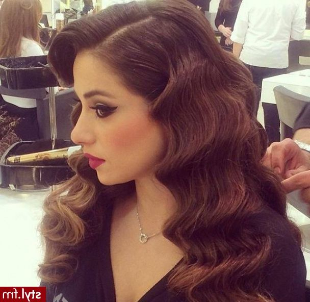 Love This Elegant And Classic Curly Look! … | Hair Styles | Langt… Regarding Elegant Curled Prom Hairstyles (View 21 of 25)