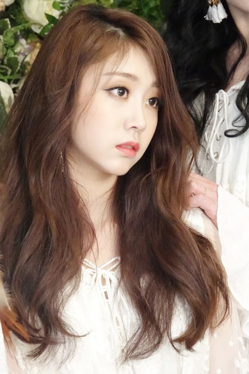 Lovelyz – Jisoo | [Lovelyz] Jisoo In 2019 | Korean Actresses, Long Inside Long Hairstyles Korean Actress (View 19 of 25)