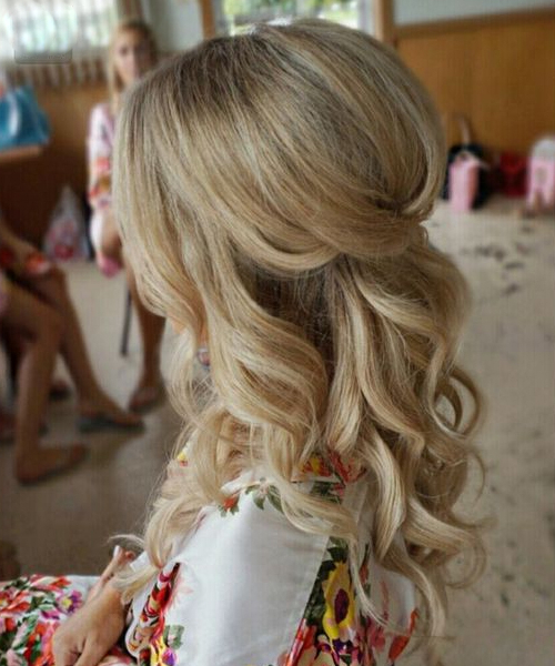 Luminous Long Wavy Prom Hairstyles 2019 For Women To Look Hot And Intended For Wavy Prom Hairstyles (View 18 of 25)