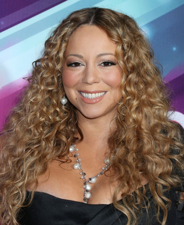 Mariah Carey Long Curly Hairstyle For Round Faces – Hairstyles Weekly In Curly Long Hairstyles For Round Faces (View 7 of 25)