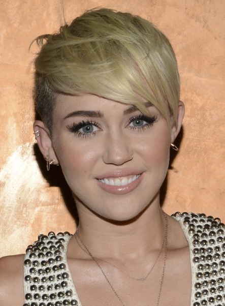 Miley Cyrus, Blonde Pixie Hairstyle: Razor Haircuts – Popular Haircuts For Long Razor Haircuts (View 9 of 25)