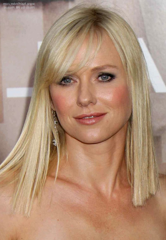 Naomi Watts Below The Shoulders Blunt Cut That Makes Her Hair Appear With Regard To Long Neck Hairstyles (View 9 of 25)