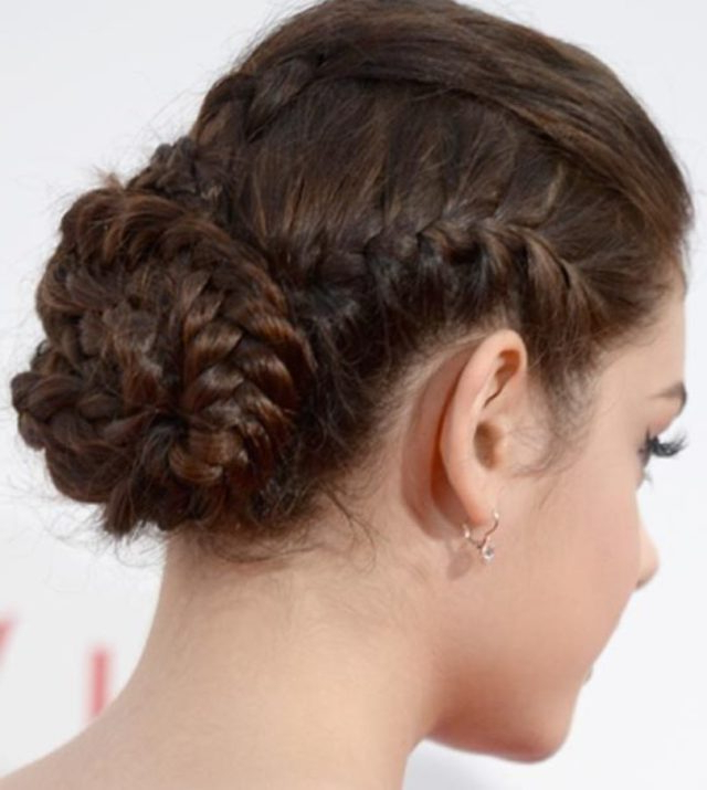 Prom Hairstyles: 15 Utterly Amazing Hairstyles For Prom With French Roll Prom Hairstyles (View 19 of 25)
