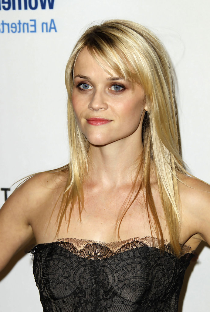 Reese Witherspoon Long Straight Cut With Bangs – Reese Witherspoon Pertaining To Long Hairstyles Reese Witherspoon (View 5 of 25)
