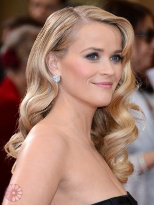 Reese Witherspoon – Retro 'red Carpet' Waves At The Oscars 2013 Throughout Long Hairstyles Red Carpet (View 18 of 25)