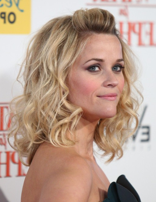 Reese Witherspoon Wavy Hairstyles – Popular Haircuts Pertaining To Long Hairstyles Reese Witherspoon (View 24 of 25)