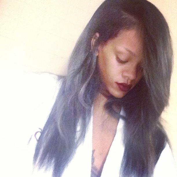 Rihanna Hairstyles Within Rihanna Long Hairstyles (View 16 of 25)