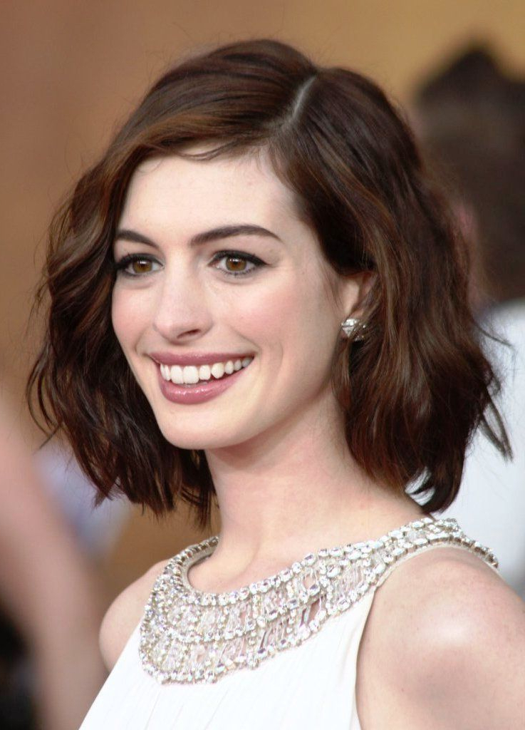 Short Hairstyles For Oval Faces With Wavy Hair | Hair & Beauty Inside Long Haircuts For Oval Faces And Thick Hair (View 19 of 25)
