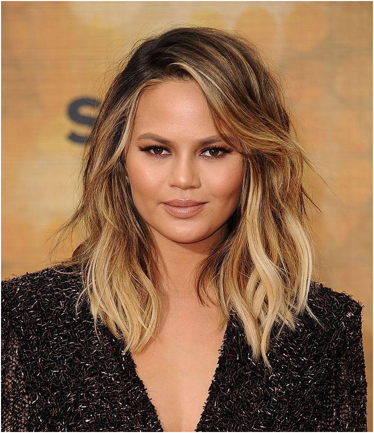 Short Hairstyles For Round Faces With Double Chin Nice 15 Within Long Hairstyles For Fat Faces And Double Chins (View 20 of 25)