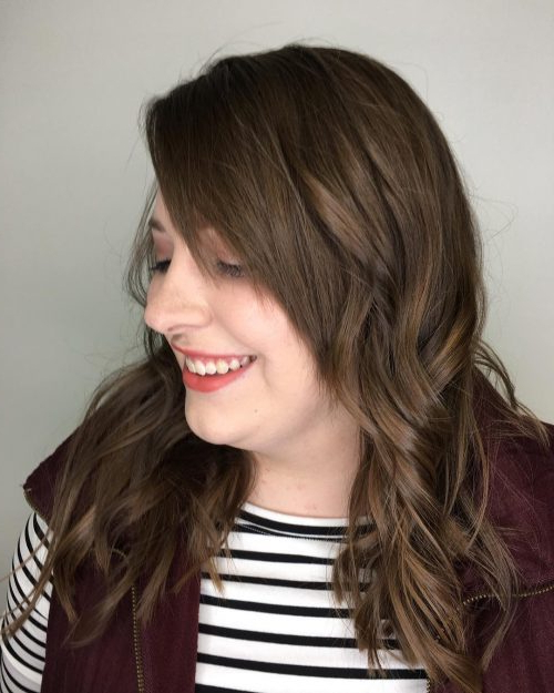 Side Swept Bangs: 46 Ideas That Are Hot In 2019 Inside Long Hairstyles Side Fringe (View 4 of 25)