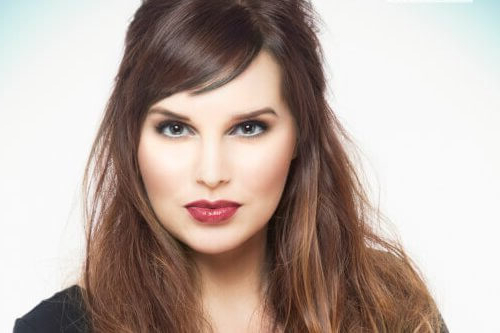 Side Swept Bangs: 46 Ideas That Are Hot In 2019 Within Long Hairstyles With Side Fringe (View 20 of 25)