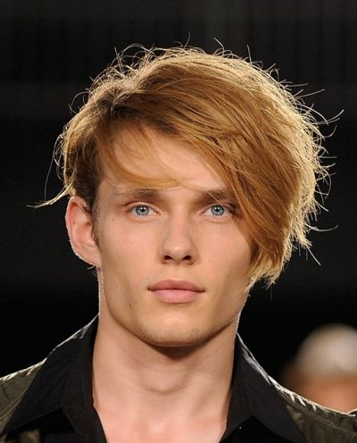 Side Swept Messy Style For Men With Fringe | Hairstyles For Men Regarding Messy And Modern Side Swept Hairstyles (View 14 of 25)