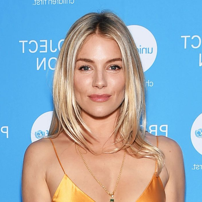 "Sienna Miller Just Proved ""the Rachel"" Is Still Iconic Within Long Choppy Haircuts With A Sprinkling Of Layers (View 22 of 25)"