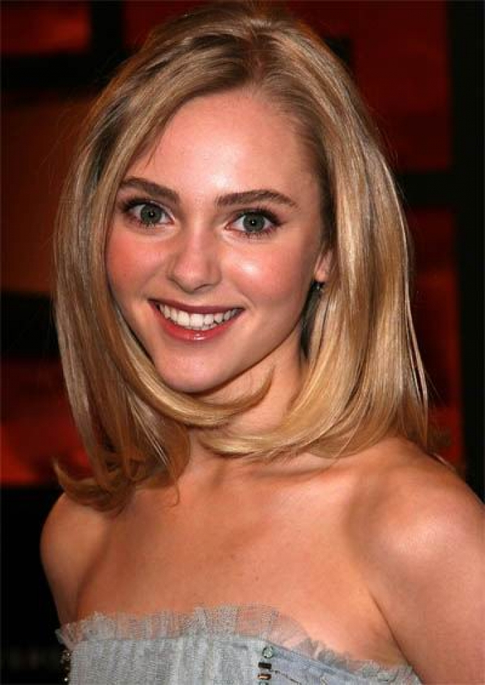 The Best Haircuts For Women With Long Faces – Women Hairstyles For Long Hairstyles For Long Faces (View 24 of 25)