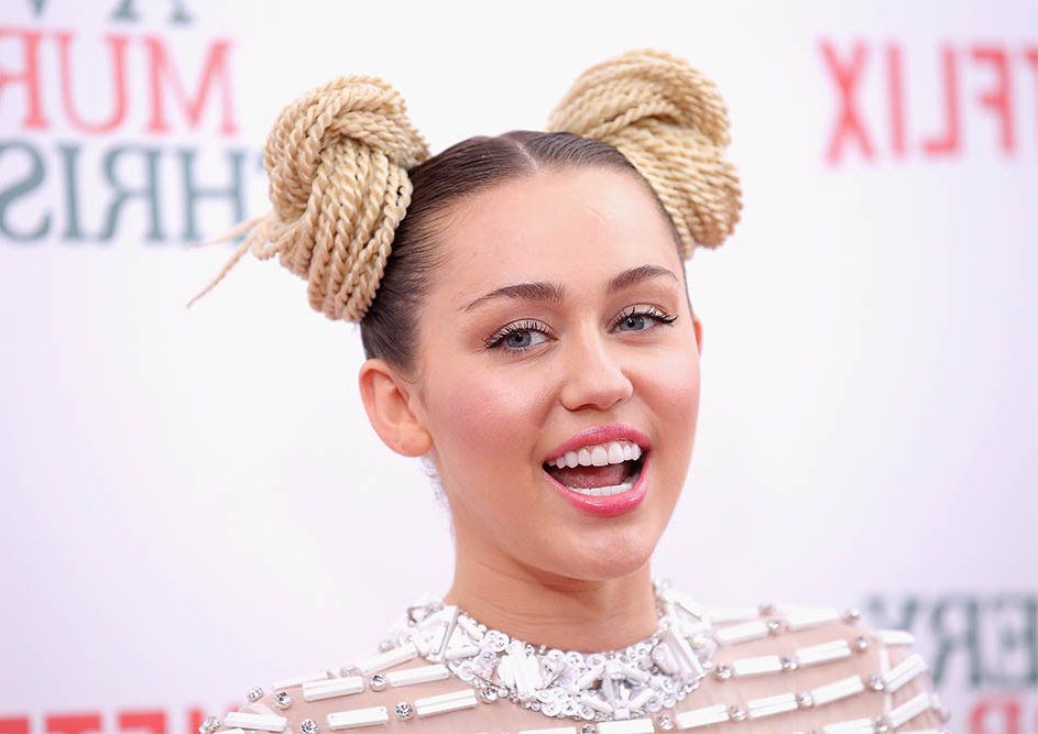 The Greatest Collection Of Miley Cyrus Hairstyles | Livinghours With Long Quirky Hairstyles (View 17 of 25)