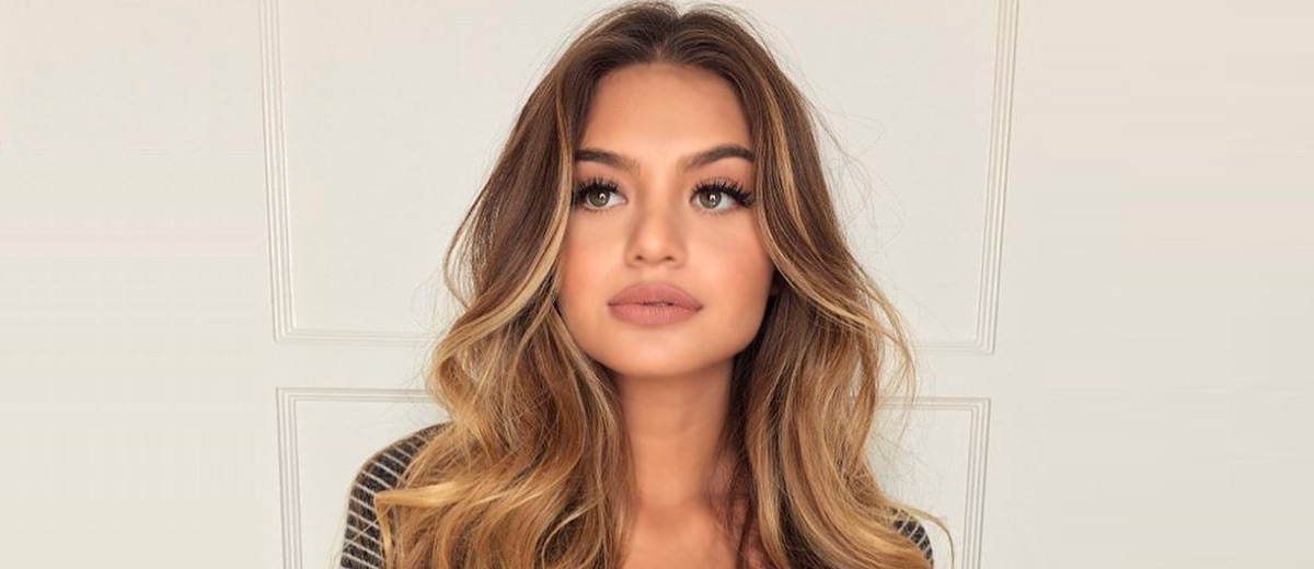 The Most Flattering 12 Haircuts For Square Faces   Lovehairstyles Within Long Haircuts Square Face (View 3 of 25)