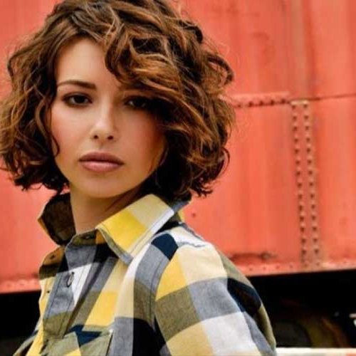 Top 20 Flawless Short Curly Hairstyles For Round Faces In Long Curly Hairstyles For Round Faces (View 14 of 25)